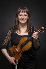 Marc Tillema est né en 1959 à Maastricht. Il joue du violon dès l'âge de neuf ans. A 14 ans, il entre au Conservatoire d'Amsterdam où il étudie avec H. Krebbers.