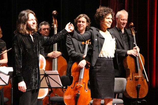 Viktor Lazlo a accompagné l'Orchestre Royal de Chambre de Belgique, dirigé par Frank Braley © David Fourmanois